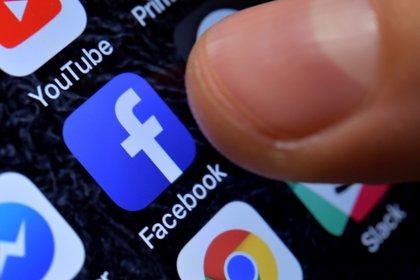 """""""Las empresas de tecnología, y no sólo las redes sociales, están ahora en una posición casi imposible. Se puede argumentar que estamos al borde del colapso de la internet global"""", argumento Lessin. (EFE/ Sascha Steinbach)"""